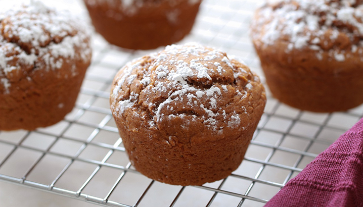 Hungry-Girl Video: How To… Make 3-Ingredient Spice Cake Muffins!